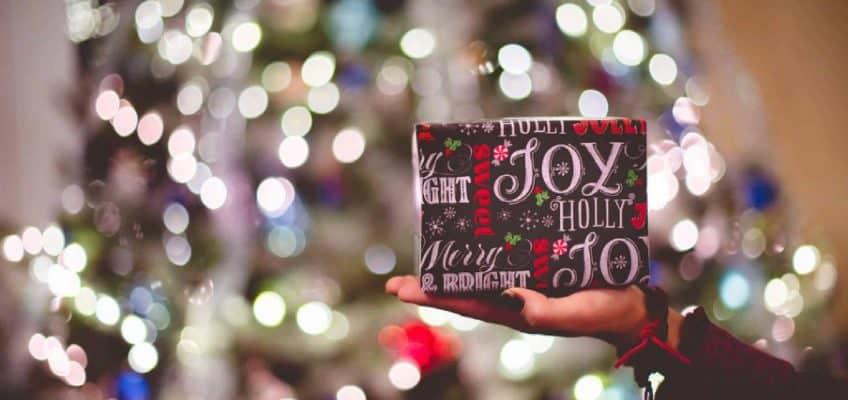 What's On My Christmas Wishlist 2017 #saveeandsavory #beauty #fashion #wishlist #christmas #christmasguide #christmaswishlist #shopping