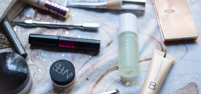 What's In My Makeup Bag: The Spring Edit #saveeandsavory #makeup #springmakeup #nars #itcosmetic #urbandecay #lauramercier #benefit #charlottetilbury #tarte #beautycounter